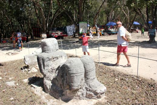 Chichen-Itza-estatua
