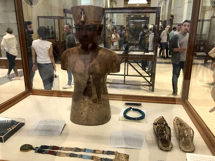 museo-egipcio-maniqui-tutankhamon
