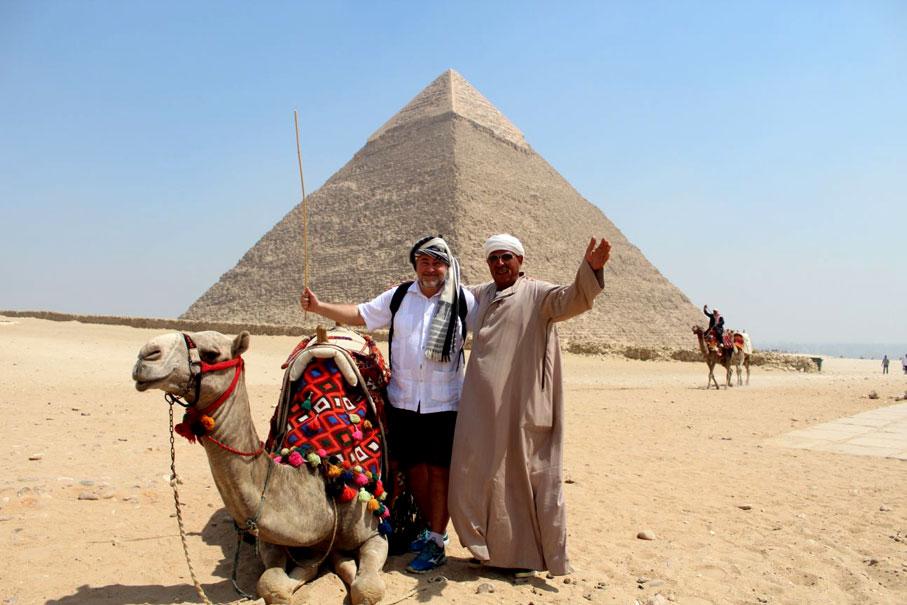 piramide-kefren-camello