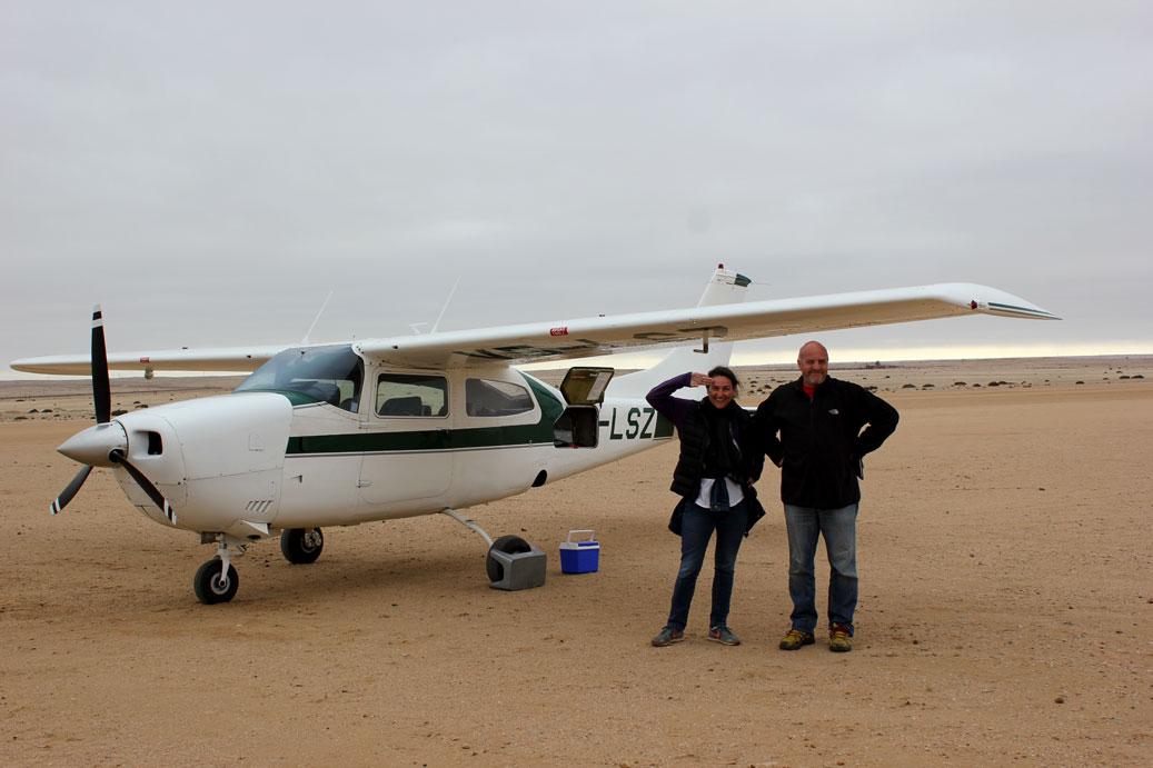 sobrevuelo-avioneta-desierto