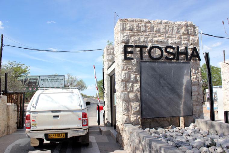 etosha-entrada-namibia