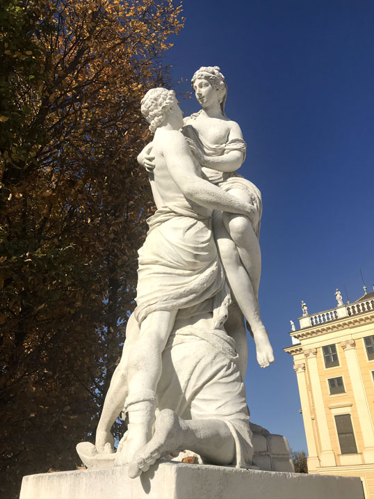 viena-que-ver-estatua-schonbrunn