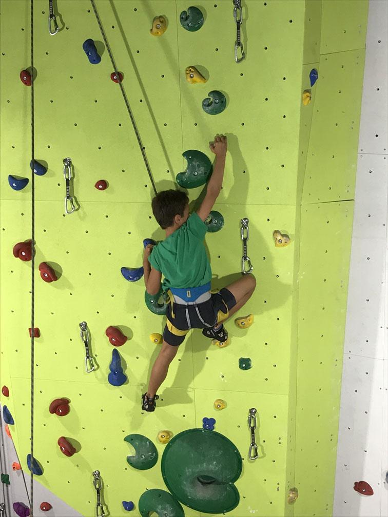 escalada-niños-dolomitas-cortina