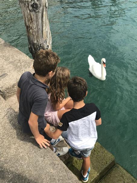 lago-di-garda-con-niños