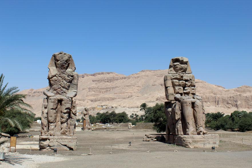 viaje-egipto-colosos-memnon