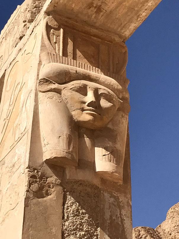 visitar-templo-deir-el-bahari-columna