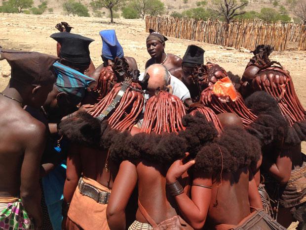 contrastes-tribu-himba-namibia