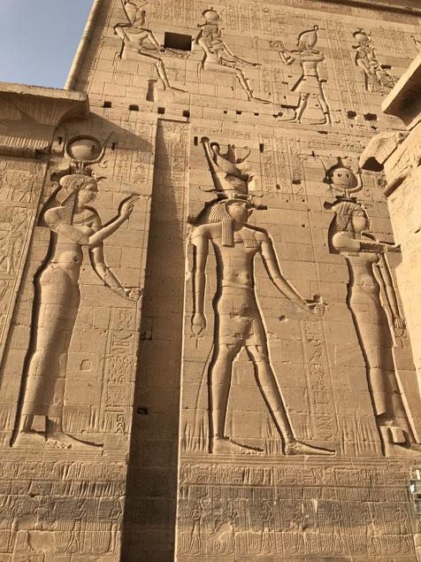 egipto-templo-filae-bajo-relieves