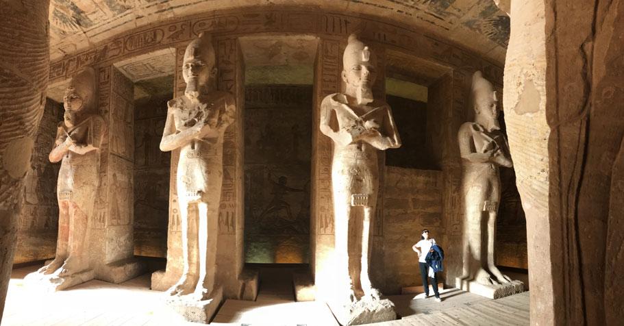 viaje-egipto-abu-simbel-estatias